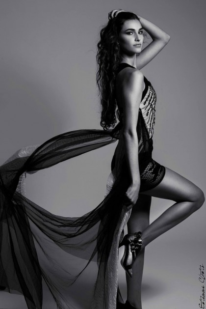 Photo:  Etienne Clotis  Mannequin: Marie Ardisson (Enjoy model et VIP model)
