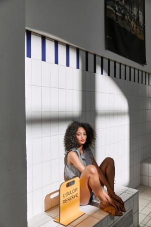 BALZAC PARIS  Photographe: Douglas McWall  Modèle: Yanne Bisi