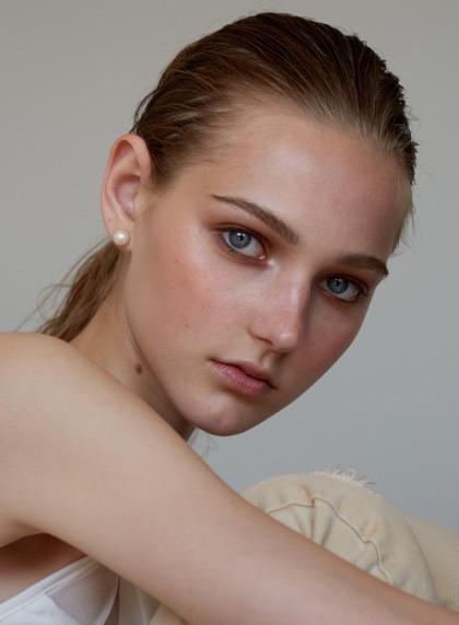 Photographe: Chloé Romeyer     Modèle: Valeria Buldini