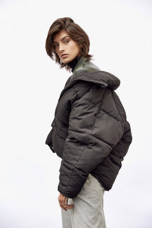 Rossana (VIVA Agency Paris)  Stylisme: Lucie Taillandier