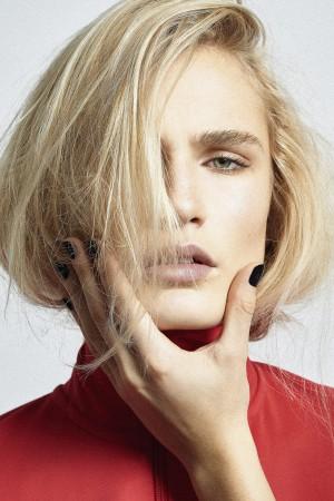 Photographe: Vincent Binant, Mannequin: @Pollybatchelor (Unique NZ/ Marilyn Paris), Stylisme: Mario Lollia, Makeup & Hair by me, Mannequin main et manucure: Me
